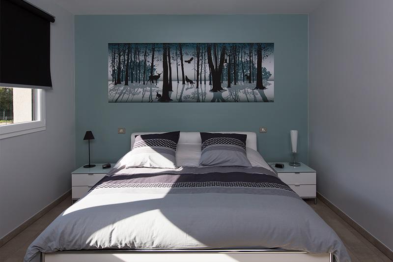 chambre contemporaine,  jardin secret, couleurs froides.
